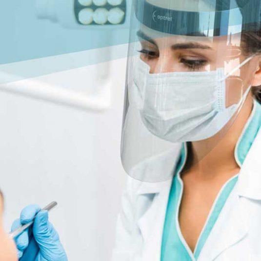 Medmaxx Visor Image - Dentist Wearing Visor